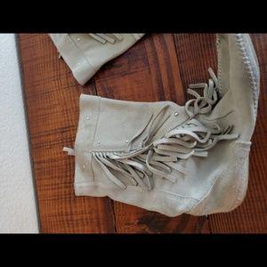 Minnetonka Shoes - RARE Minnetonka White Suede Fringe High Boots